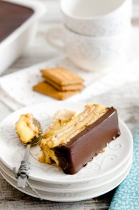 Pastel de galletas, flan y chocolate