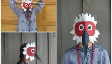 Máscara de pájaro con cartón.