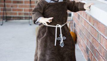 Disfraz de monje y monja.