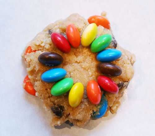 Lindas galletas decoradas con lunetas.