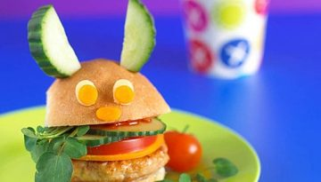 Hamburguesa súper creativa para fiesta infantil.