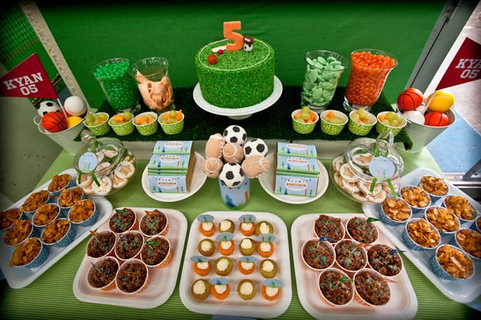 Decoraci n de fiesta infantil de futbol imagui for Decoracion deportiva