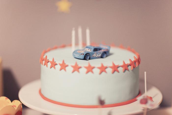 Pasos para hacer una fiesta temática de Cars